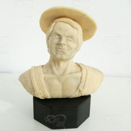 Terence Hill statua in resina